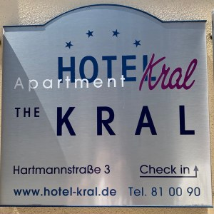 The Kral - Entrance